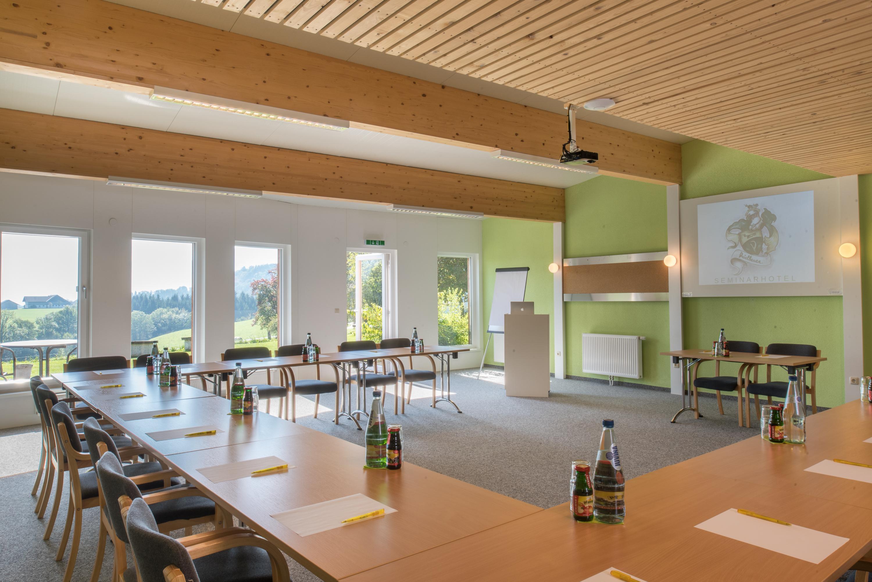 """Seminarraum im Seminarhotel Mondsee, dem Seminarhotel """"Prielbauer"""""""