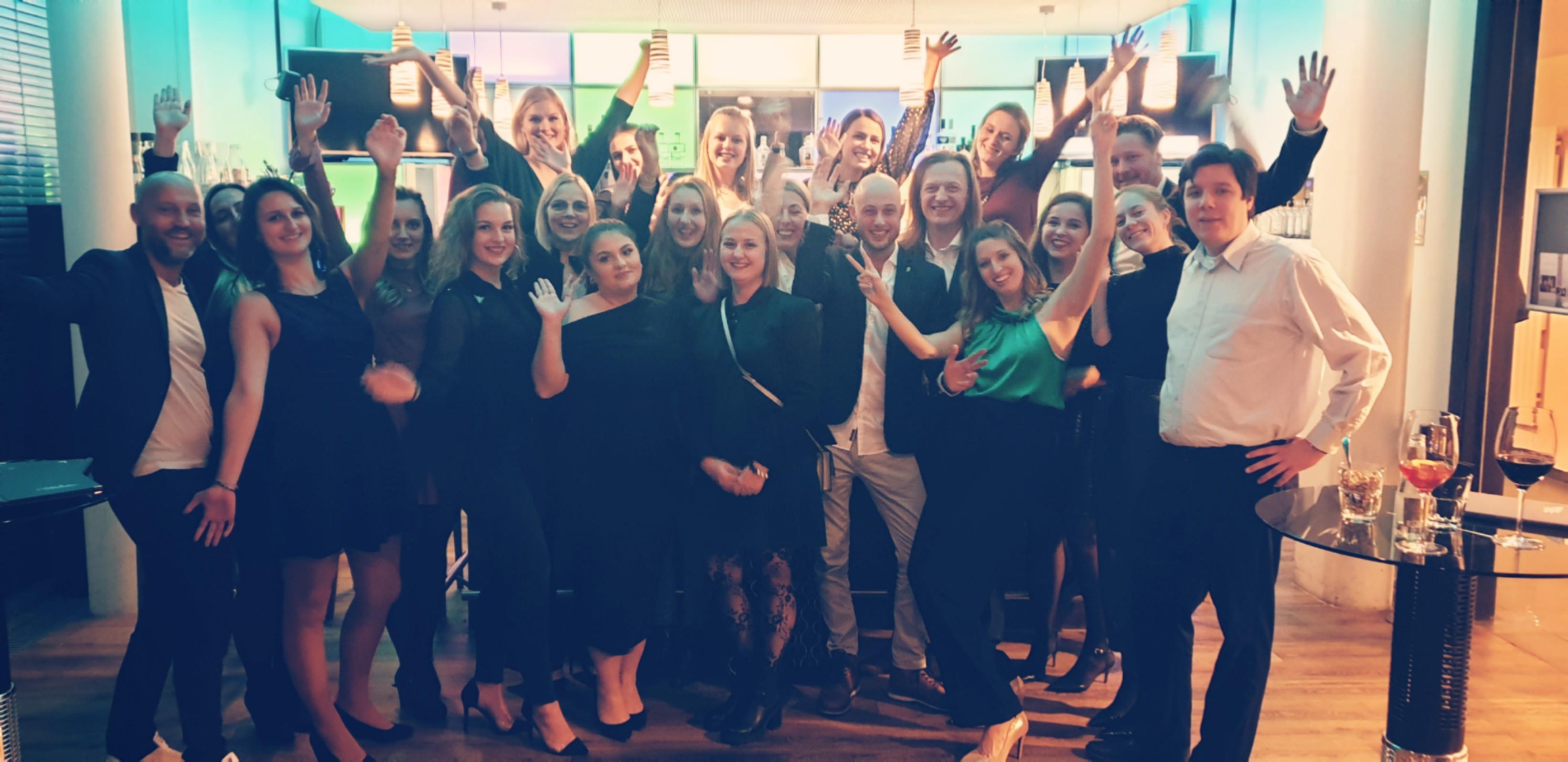 Weihnachtsfeier: seminargo Team in Feierlaune